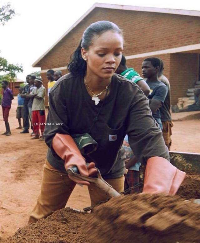 Watch Rihanna Doing Good In Malawi